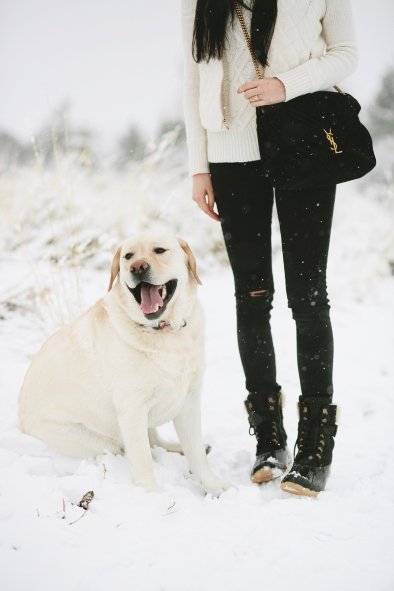 womens-fashion-winter-outfit-ideas-snow-day - 6