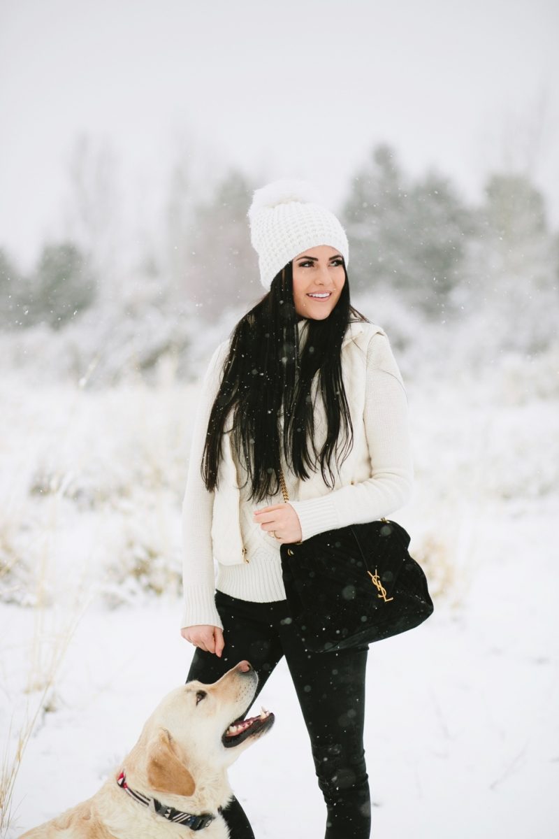 womens-fashion-winter-outfit-ideas-snow-day - 7