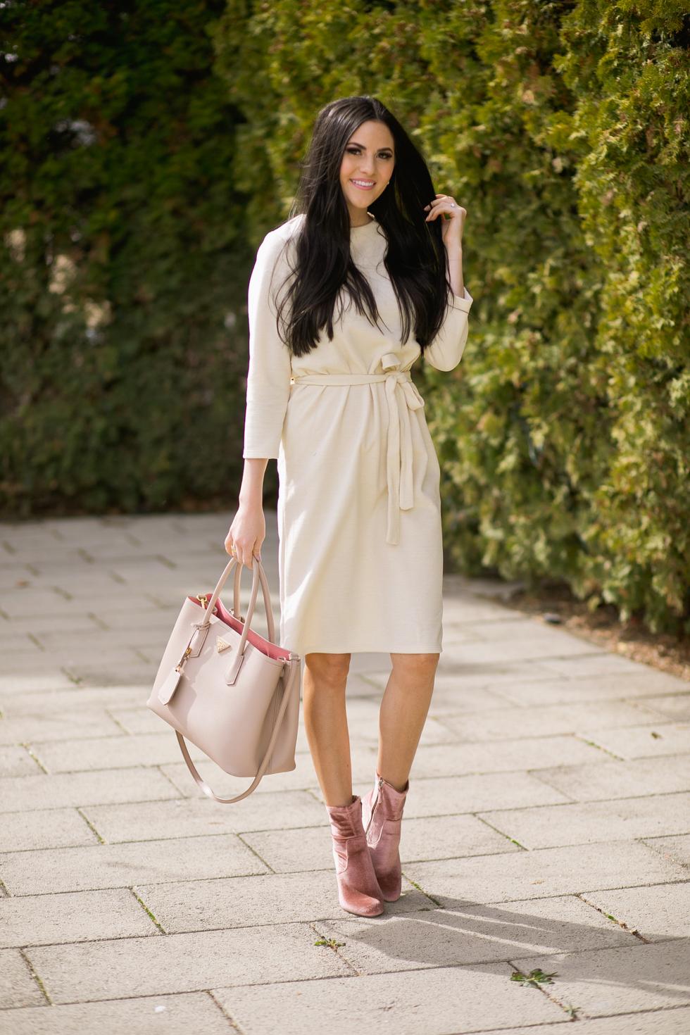 blush-pink-steve-madden-velvet-booties - 4