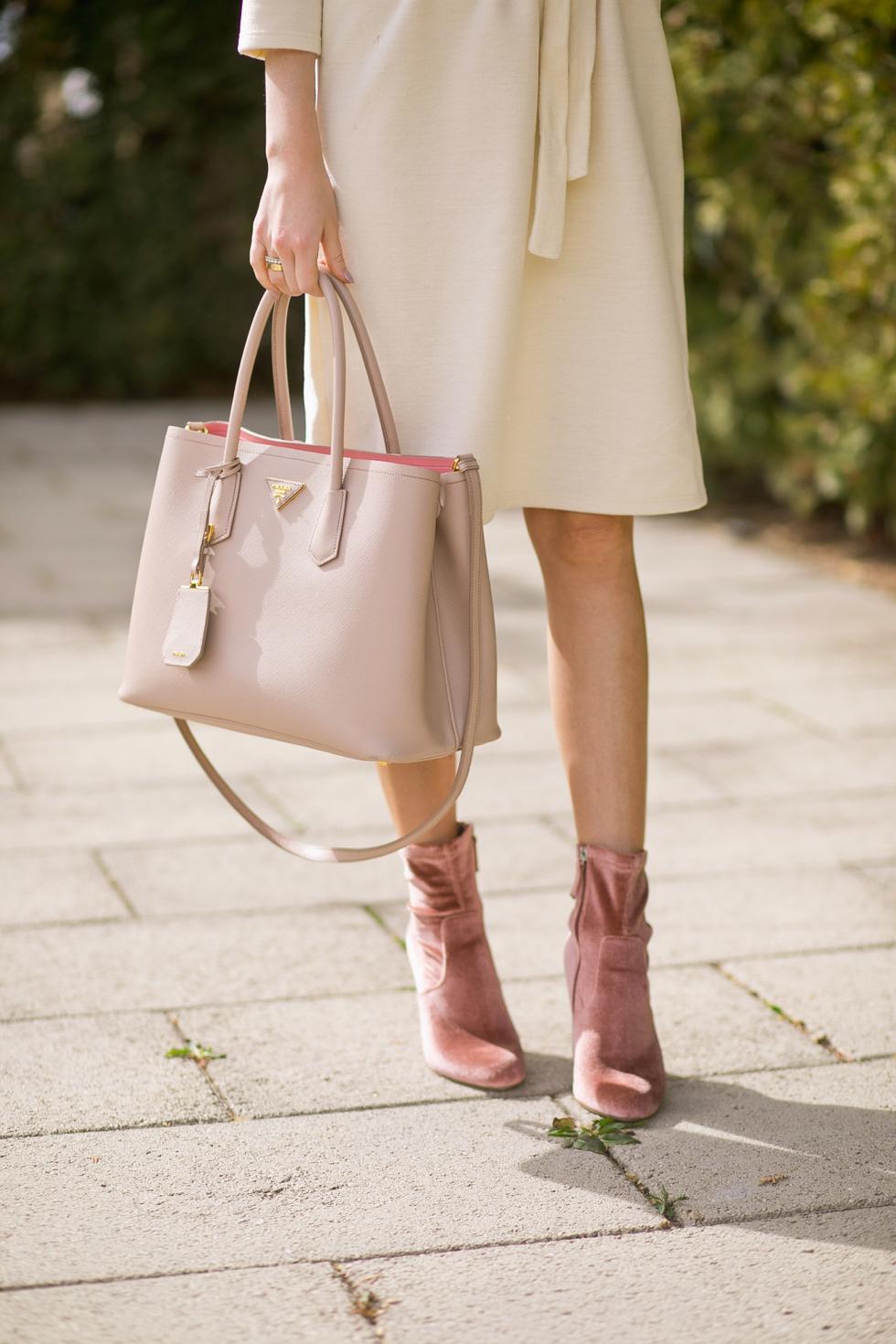 blush-pink-steve-madden-velvet-booties - 7