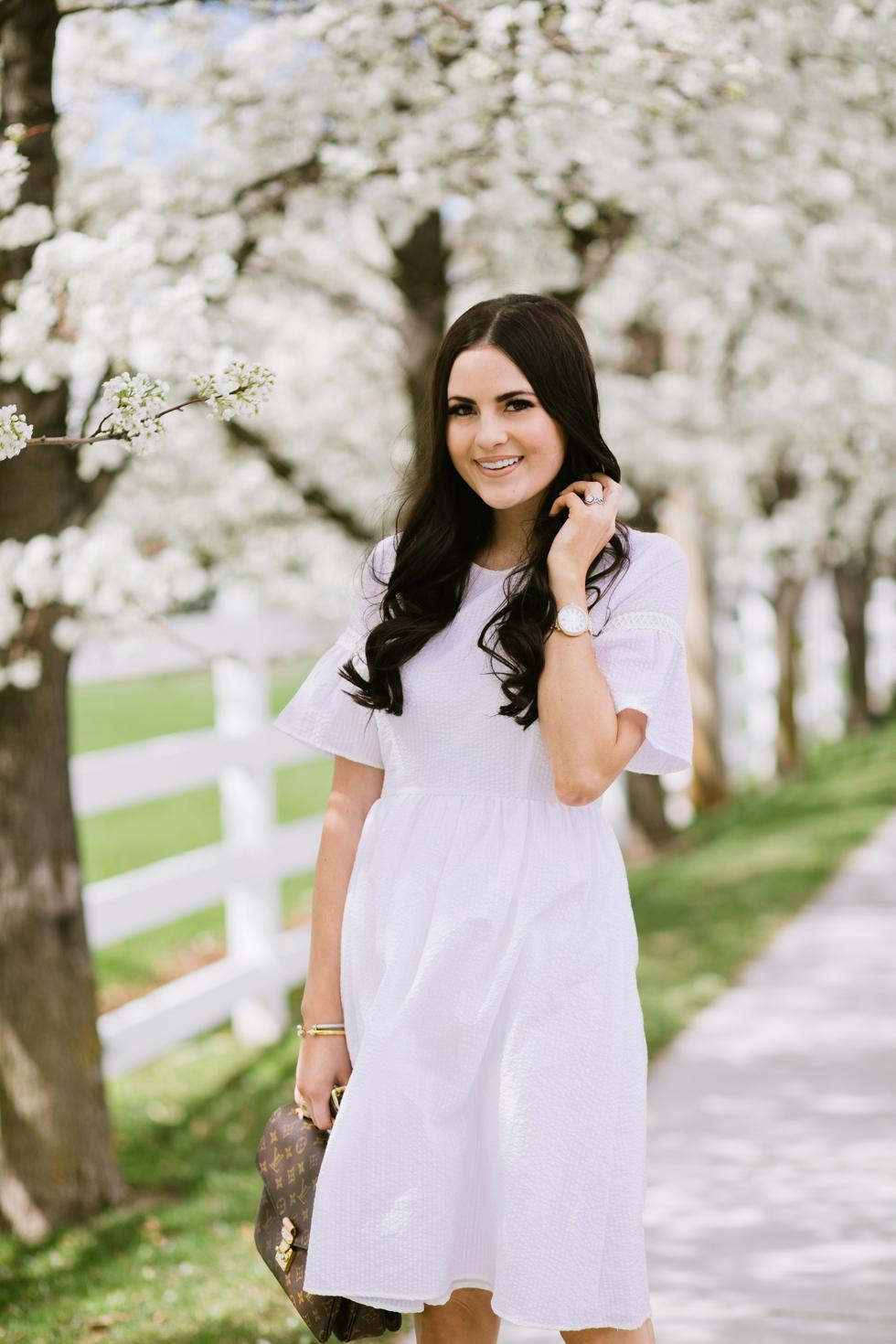 white-seer-sucker-dress-rachel-parcell - 11