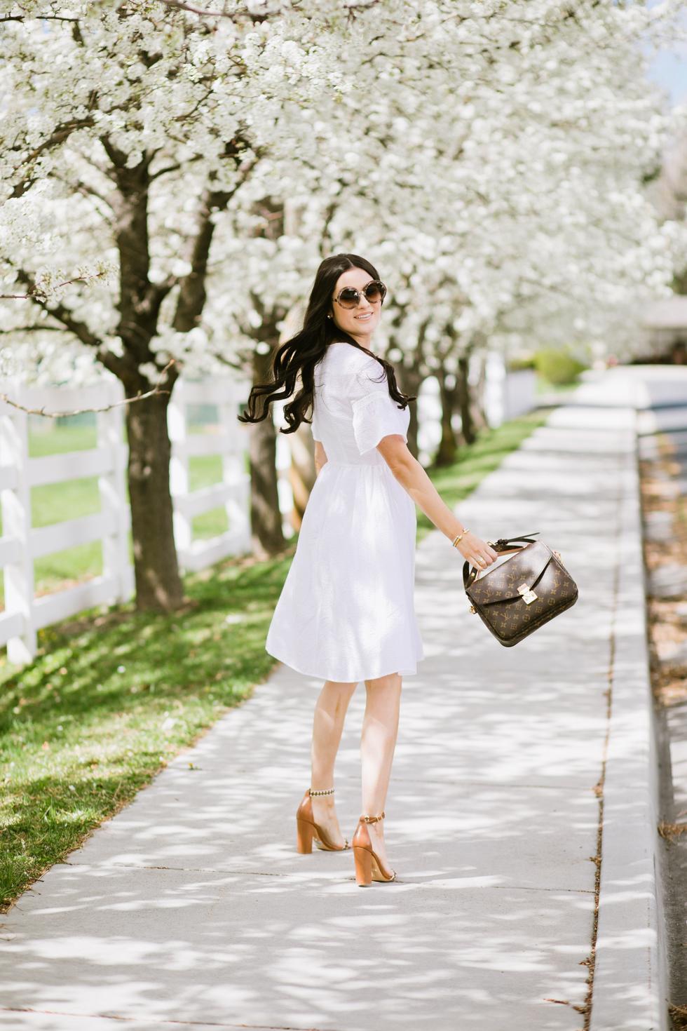 white-seer-sucker-dress-rachel-parcell - 2