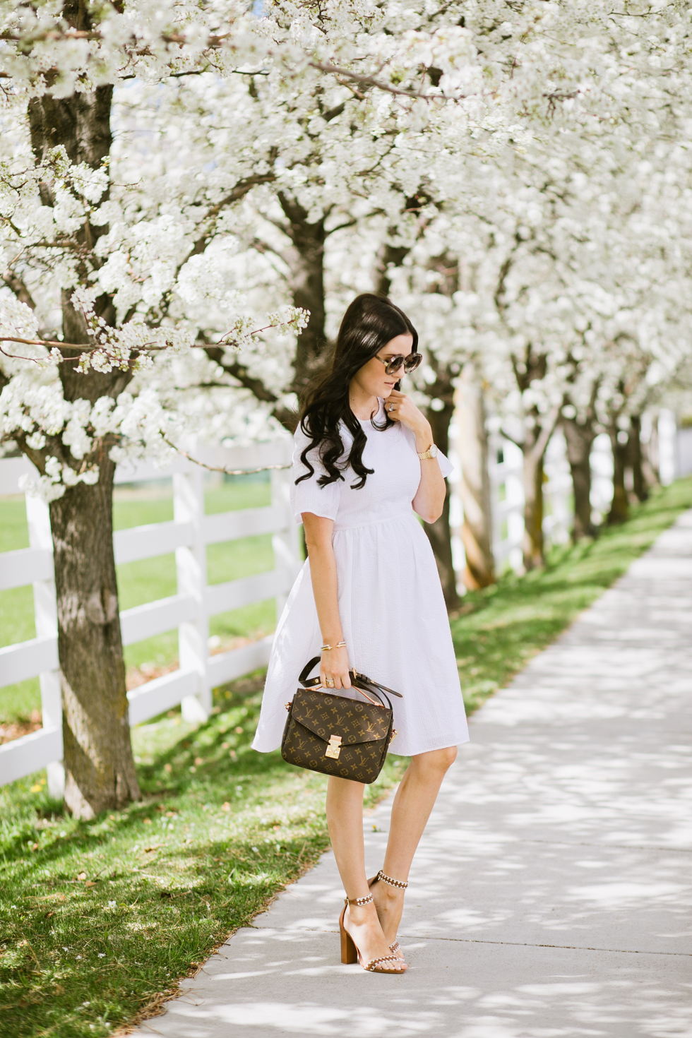 white-seer-sucker-dress-rachel-parcell - 3