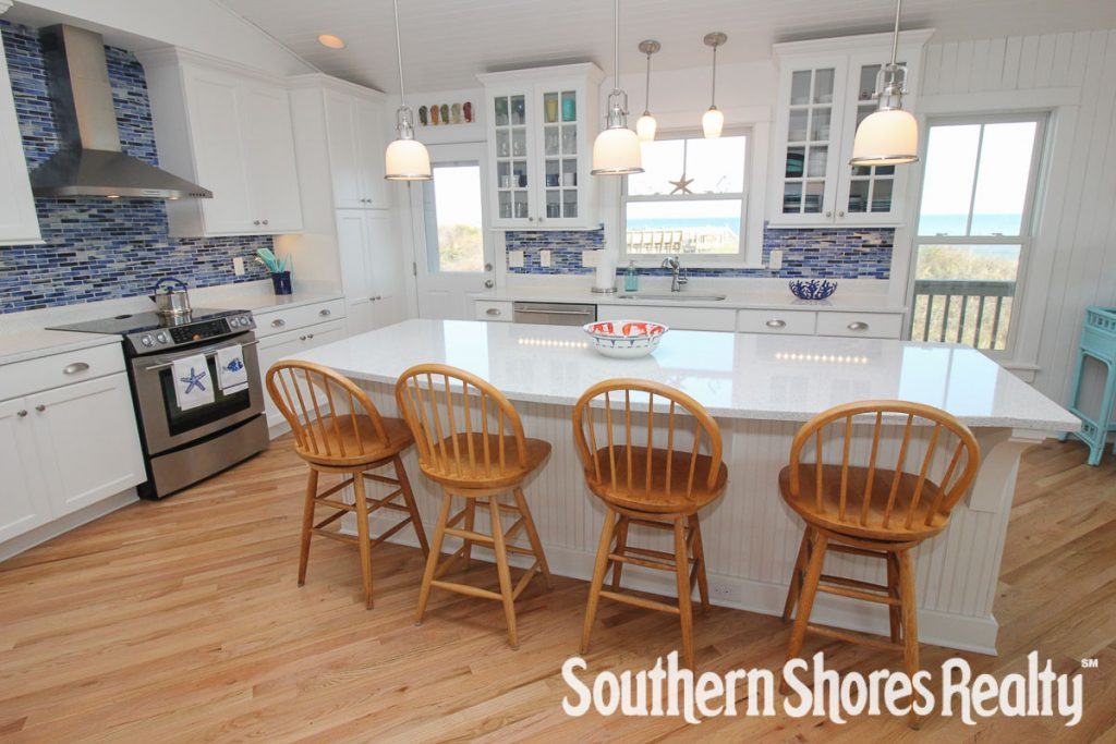 Classic Beach Home Decor Kitchen