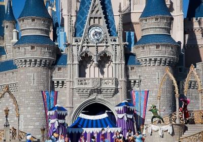 Disneyworld-wikimedia_commons.jpg