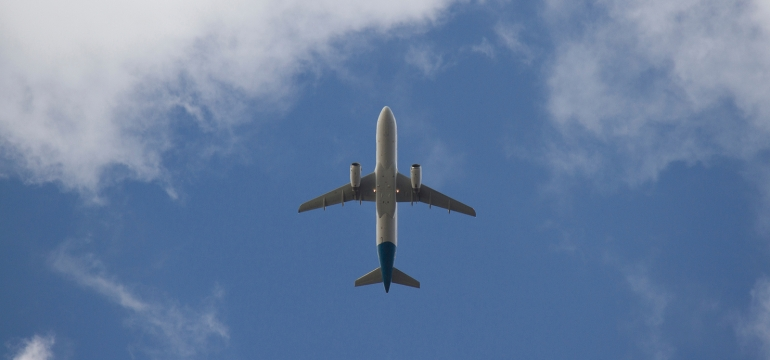Flying-with-CBD-Photo-by-Steve-Doig-ba8KyiACyrE-unsplash.jpg