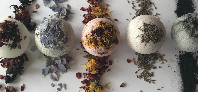 Vital-You-Bath-Bombs-use-photo-by-Vital-You.jpg